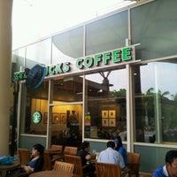 Photo taken at Starbucks by Khairul K. on 6/29/2012
