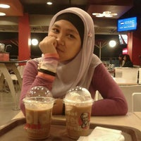 Photo taken at KFC / KFC Coffee by Ari N. on 3/5/2012