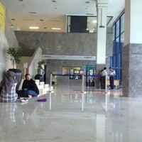 Photo taken at Universitas Al Azhar Indonesia by vita l. on 4/3/2012