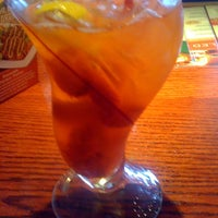 Photo taken at Red Robin Gourmet Burgers by Sokko K. on 5/27/2012