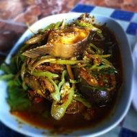 Photo taken at Pla Yai Restaurant by AthiTayA L. on 6/4/2012