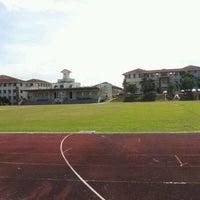 Photo taken at Sekolah Sultan Alam Shah (SAS) by Azizul R. on 4/30/2012