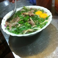 Photo taken at Phở Thìn Bờ Hồ by Ngoc T. on 8/19/2012