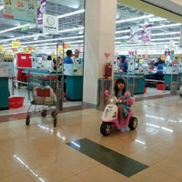 Photo taken at Carrefour by Pricillia L. on 9/7/2012