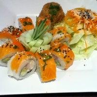 Photo taken at Kashi Sushi & Bar by Ana Fonsi on 8/30/2012