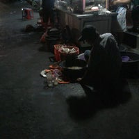 Photo taken at Ayam Bakar Wo Aini by N.P.S. S. on 8/27/2012