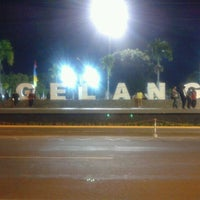 Photo taken at Alun - Alun Kota Magelang by Heru B. on 8/24/2012
