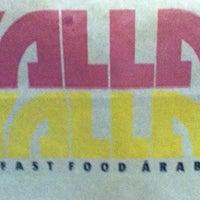 Photo taken at Yalla Yalla by Ana Flávia B. on 5/26/2012