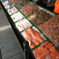 Photo taken at Maine Avenue Fish Market by Kevin S. on 7/28/2012