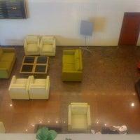 Foto tomada en Grand Hotel Tijuana por Ro R. el 5/23/2012
