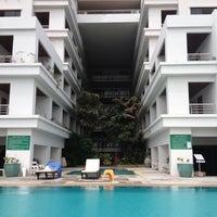 Photo taken at Pattaya Hill Resort by Dmitry D. on 7/19/2012