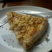Photo taken at Pomodori Pizza by Rafael S. on 3/19/2012