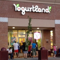 Photo taken at Yogurtland by Chelley L. on 6/15/2012