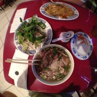 Photo taken at Phở 88 Vietnamese Restaurant by Kevin  I. on 5/25/2012