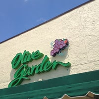 Photo taken at Olive Garden by Jared G. on 4/12/2012