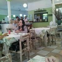 Photo taken at Cheiro Verde Restaurante by Fernando Henrique d. on 2/13/2012