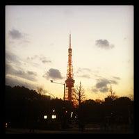 Photo taken at ローソン 御成門駅前店 by Shunichiro K. on 2/5/2012