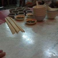 Photo taken at Restorant Chen Chen Siang珍珍香餐室 by Mc C. on 4/29/2012