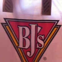 Photo taken at BJ's Restaurant and Brewhouse by Ying on 9/1/2012