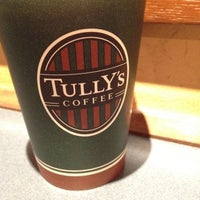 Photo taken at Tully's Coffee 横浜相鉄ジョイナス店 by babo on 2/16/2012