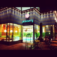 Photo taken at Pinkberry by Francisco R. on 7/9/2012