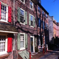 Photo taken at Elfreth's Alley Museum by Noah S. on 2/23/2012