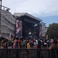 Photo taken at Benjamin Franklin Parkway by Victoria on 9/2/2012