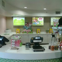 Photo taken at Yogurtland by Niki P. on 7/15/2012