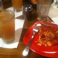 Photo taken at Uno Chicago Grill by Dominique L. on 8/12/2012