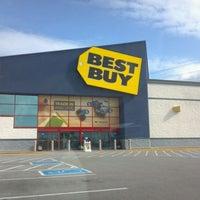 Photo taken at Best Buy by Bob W. on 4/23/2012