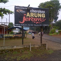 Photo taken at Cherokee arung jeram by Ivan W. on 5/6/2012