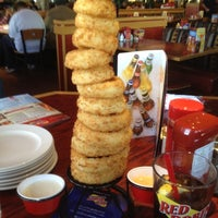 Photo taken at Red Robin Gourmet Burgers by Filbert W. on 4/8/2012