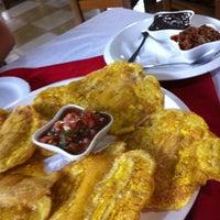 Photo taken at Restaurantico's by Rolando R. on 8/19/2012