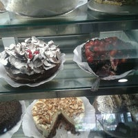 Photo taken at Richesse Confeitaria by Abner R. on 8/29/2012