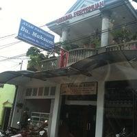 Photo taken at Warung Bu Maksum by Luthfi A. on 9/7/2012