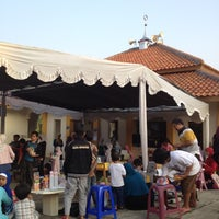 Photo taken at Mesjid Al-Kautsar, GACC Cimahi Utara by Charles D. on 5/12/2012