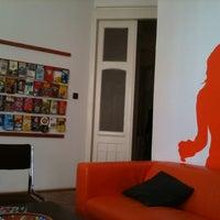 Photo taken at Boomerang Hostel & Apartments by Mustafa U. on 5/20/2012