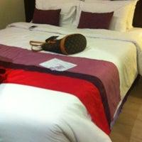 Photo taken at Sawardee Hotel - Sukhumvit by Tip K. on 7/28/2012