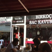 Photo taken at Birkoç Saç Kavurma by Murat on 7/16/2012