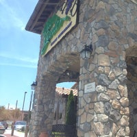Photo taken at Olive Garden by Tre' A. on 5/31/2012