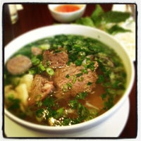 Photo taken at Phở Sinh by Joe D. on 5/18/2012