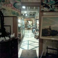 Photo taken at vintage bank antiques by Ekaterina V. on 4/8/2012
