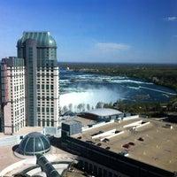 Photo taken at Hilton Niagara Falls/Fallsview Hotel & Suites by Jamie on 5/7/2012