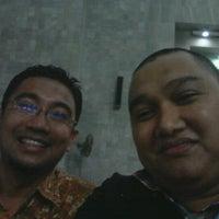 Photo taken at Masjid Ukhuwah Islamiyah (Mesjid UI) by Doddy M. on 8/28/2012