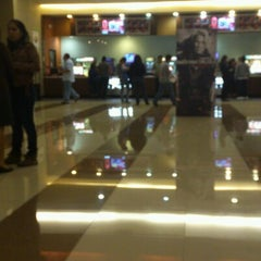 Photo taken at Cinemark by Paxops on 7/22/2012