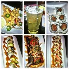 Photo taken at Sushi Axiom by 👑Nadia Fern🌿 ⚾. on 7/27/2012