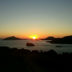Photo taken at Ακρωτήρι Σουνίου (Cape Sounion) by Panos T. on 8/31/2012