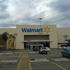 Photo taken at Walmart by Euler de Moura C. on 6/22/2012