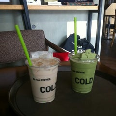 Photo taken at Coffea Coffee 코페아커피 by DH L. on 7/21/2012