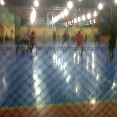 Photo taken at Zona Futsal Pulau Situ Gintung by Fahmi Y. on 9/11/2012